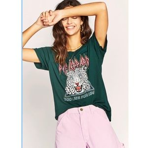 DAYDREAMER Def Leopard Too Late For Love Tee NWOT